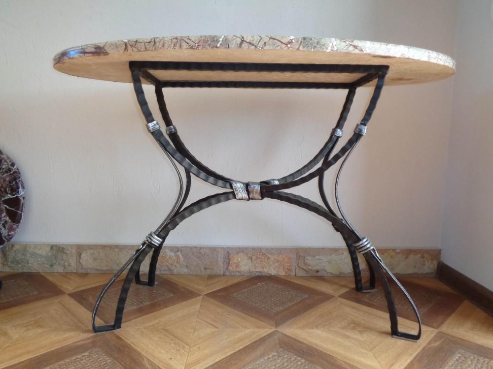 кованые столы на одной ножке фото